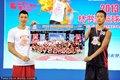 高清:篮球训练营闭幕 林书豪为优秀学员颁奖