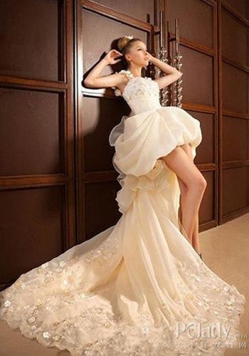 新娘婚纱前短后长_前短后长婚纱款式容易暴露新娘缺点