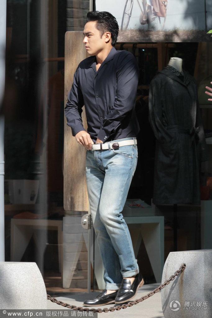 男明星的裤裆凸起图 男明星的大j 男明星的大雕不遮照 冯绍峰的裤裆凸