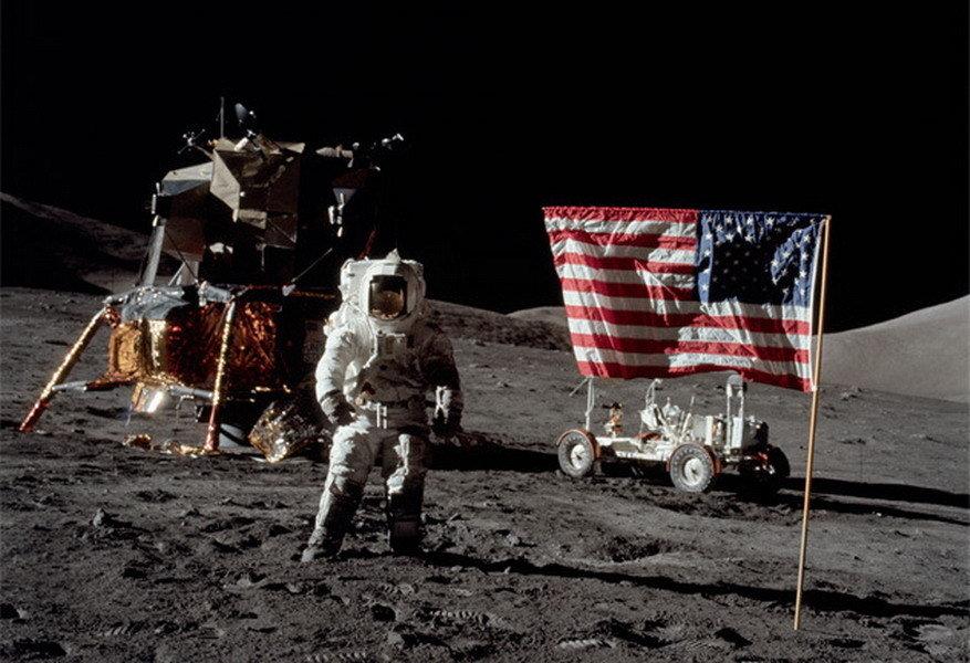 阿波罗登月是假的吗_阿波罗的登月计划_阿波罗登月计划造假_美国