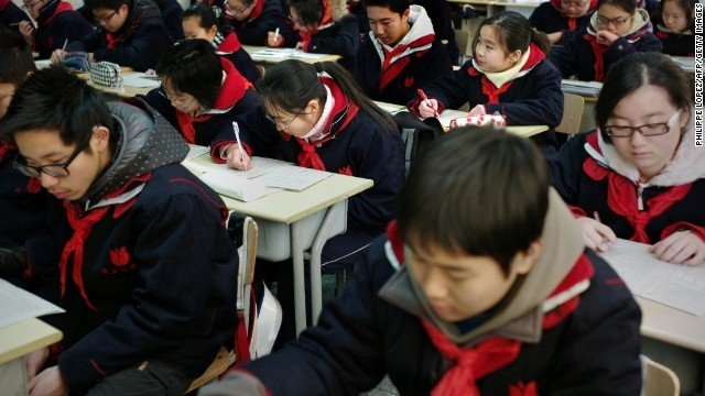 中国人口老龄化_2012中国青少年人口