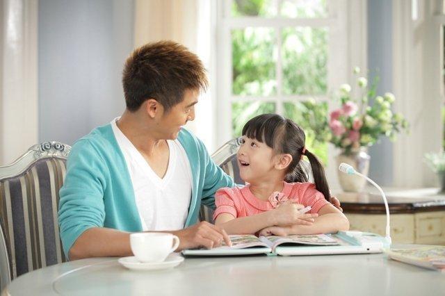 日前,田亮和女儿cindy合拍的首支广告片花曝出,cindy萌样十足,父女图片