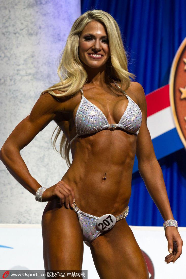 健美肌肉女写真_高清:德国业余健美锦标赛 美艳肌肉女pk猛男