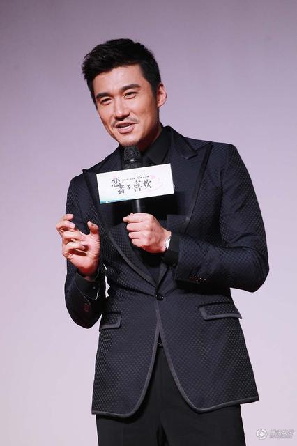 """《恋者多喜欢》首映 胡兵隔空""""示爱""""刘涛"""