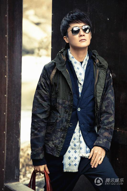 男星迟帅携手《男人风尚》拍摄写真,酷感与休闲混搭,呆萌与酷图片