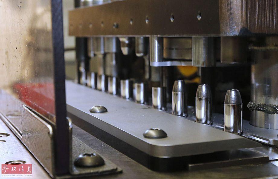 一枚子弹的诞生 探秘美国弹药工厂
