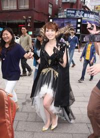 哈尔滨市民3000元买的袖珍猪 长成160斤大肥猪(图)