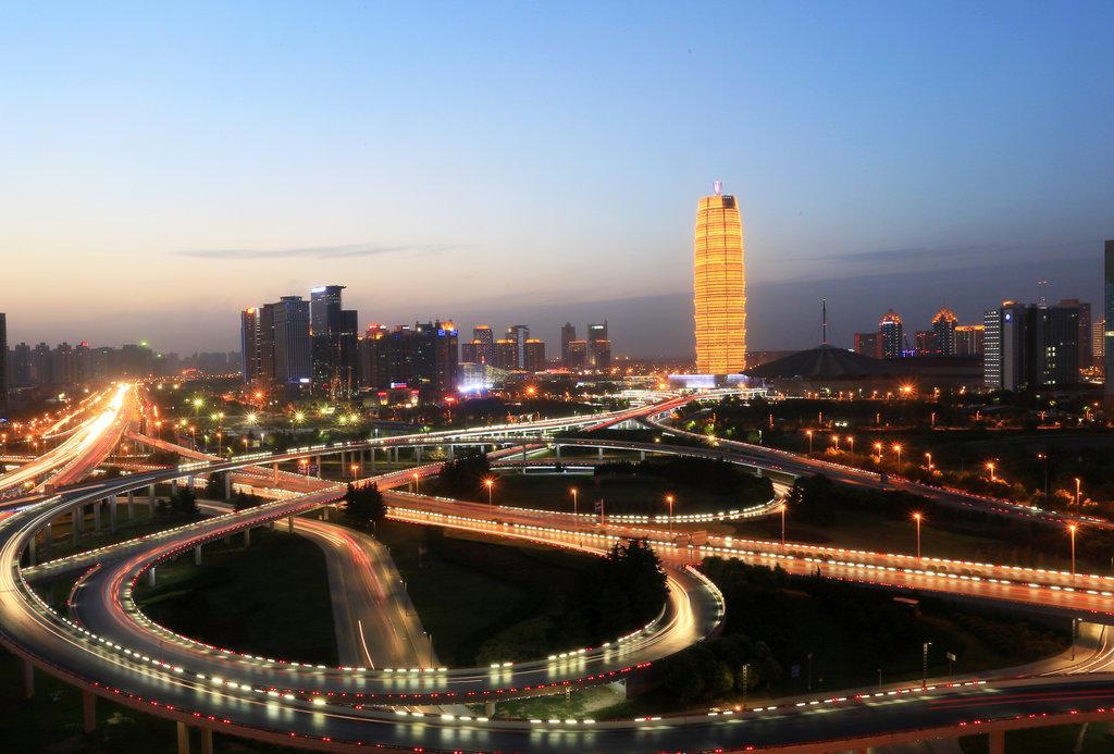 """组图:郑州中原第一高楼酷似""""玉米棒"""" - 小雪 - 小雪"""