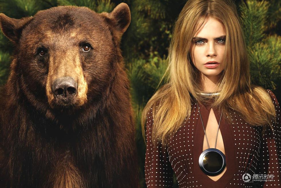 美女日历:美女与野兽?超模卡拉大片与熊共舞