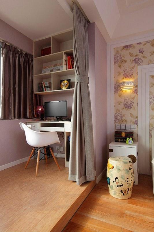工作休闲两不误 卧室一角的小型书房设计