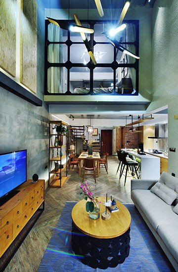 原本双层复式楼结构的房子,向往自在生活的浩和妻子,在与设计师沟通过
