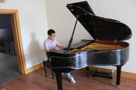 鞍山市音乐家协会力邀著名旅美青年钢琴家贾鑫回鞍图片