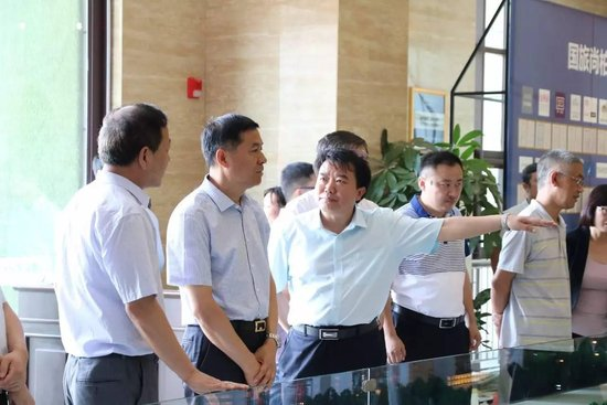 市委书记李公乐等领导同志到乔尚居家体验馆现场办公