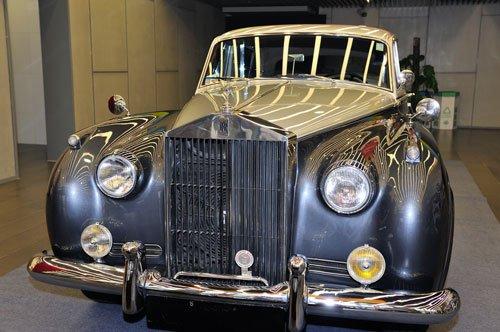 劳斯莱斯古董车专场活动国家体育馆开幕高清图片