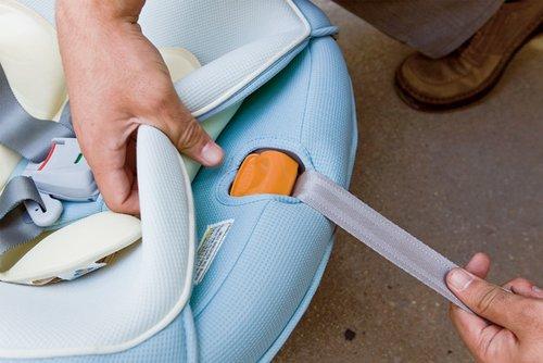 安全保护排排坐:如何安装儿童安全座椅