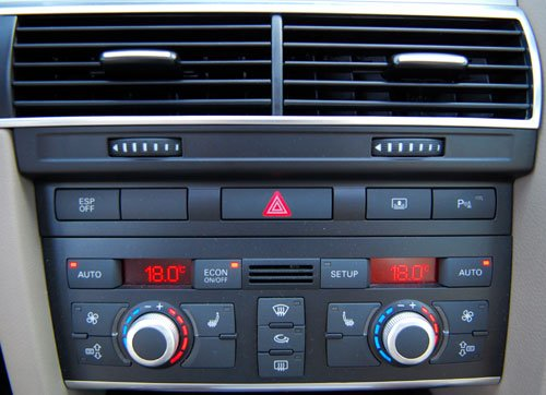 自动空调车型仪表板内有异响解决