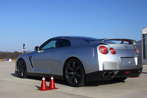 超跑初体验 腾讯八达岭机场试乘日产GT-R