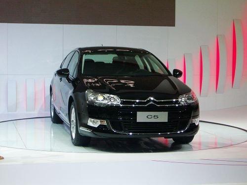 雪铁龙C5广州车展上市 售价17.69万起