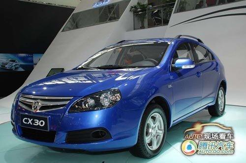 [现场看车]外型时尚 长安推出休旅车CX30