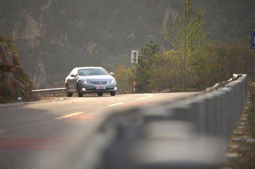 悠然自得的驾驶感受 试驾雷克萨斯ES240