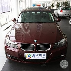 巴贝拉红涂装 进口宝马3系到店_车周刊_腾讯汽车
