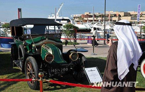 科威特举办国际老爷车展 奔驰欧翼亮相