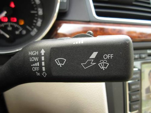 93.转向柱右侧控制键