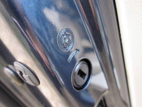 141.后排车门儿童安全锁标识