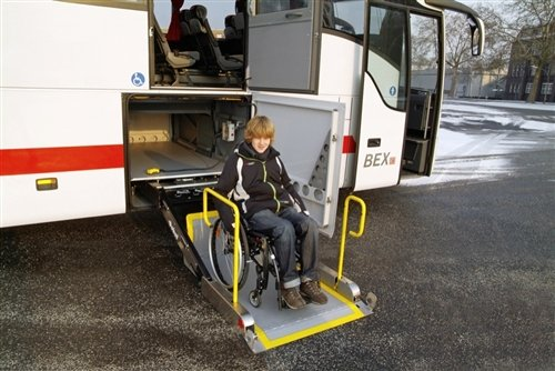 更体贴 奔驰Tourismo L专为残疾人设计