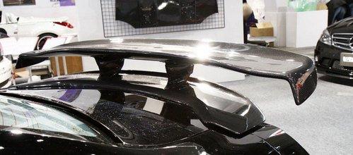 处处碳纤打造 Varis改装日产GT-R细细看