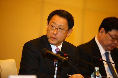 丰田章男说明质量问题 承认发展速度过快