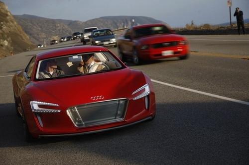 环保新纪元 海外试驾奥迪e-tron概念车