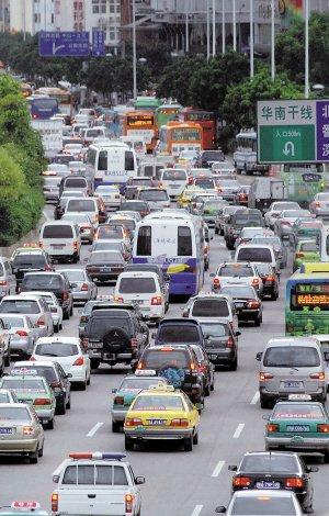 广州拥堵破国际警戒线 公交车自行车等速