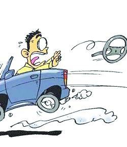 自驾行遇紧急情况 如何正确处理避免意外