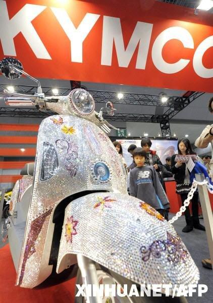 水晶摩托惊艳亮相 2010东京摩托车展开幕