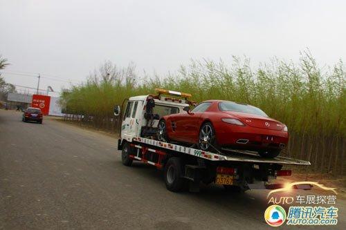 [车展探营]帅!红色奔驰SLS AMG运抵展馆