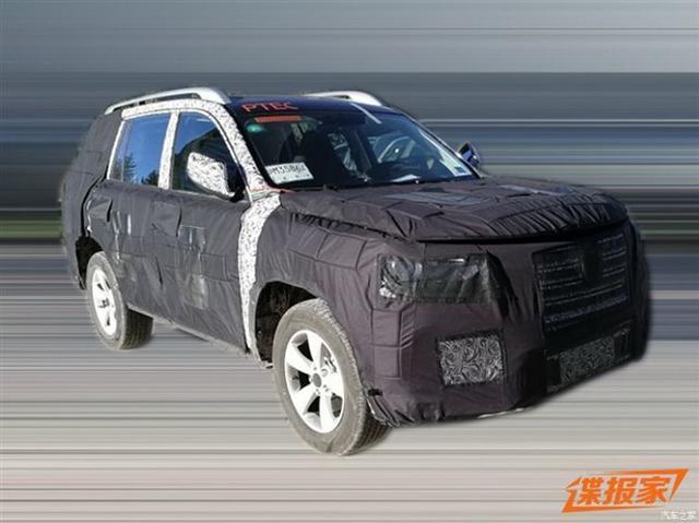 七座硬派SUV现身 疑似荣威RX8谍照曝光