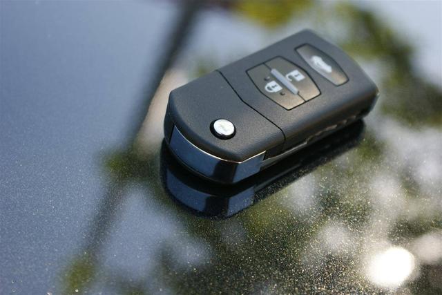 汽车钥匙寿命是多久?没电时应如何处理呢?