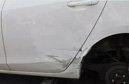 车身划痕维修要1000元 老司机用牙膏就解决