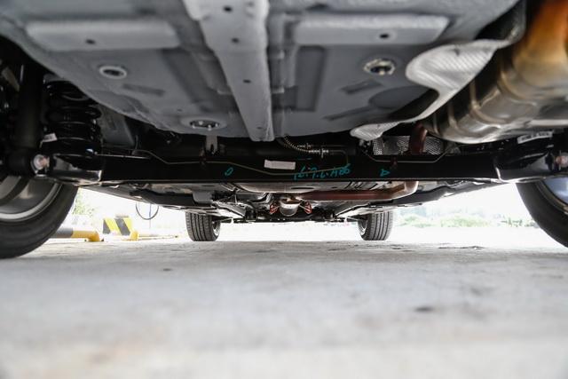 ,依然为带横向稳定杆的前悬挂和扭力梁后悬挂的组合形式,在这