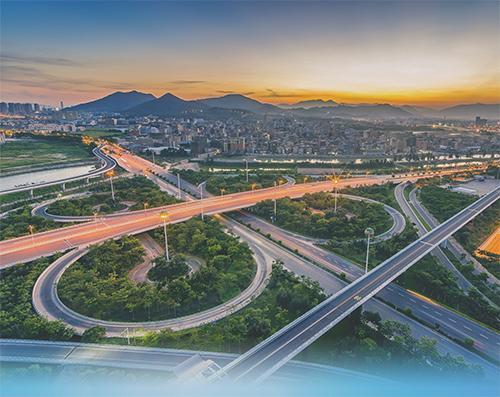 交通运输发展白皮书:我国高速铁路/公路里程世界第一