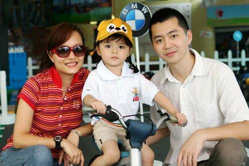 2011BMW儿童交通安全训练营在广州欢乐开营