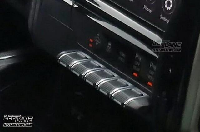 换装大尺寸中控屏 全新Ram 1500内饰谍照