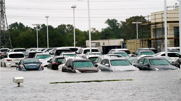 飓风哈维损毁休斯敦近50万辆汽车 经销商正加紧进货
