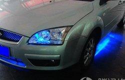 福克斯安装LED底盘灯作业