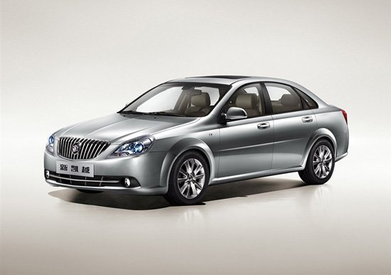 在春节前夕,上海通用别克汽车旗下紧凑级车型2013款凯越正式上市销售,其售价区间为9.69-11.89万元。此次上市的新车共推出了同一种1.5升排量的四款不同车型,按配置来分则有经典型和尊享型两种不同配置车型供消费者选择。全系四款车型均配备有手动变速箱和自动变速箱版本车型,用以满足不同需求驾驶者。