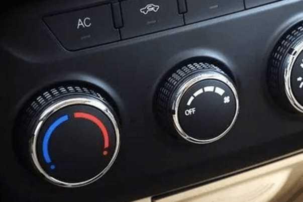 冬季汽车怎样除雾最快?按错了键更危险!