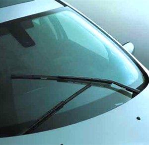 汽车玻璃水也分冬夏 正确使用才能保安全