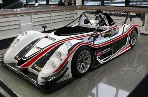 丰田正在对一款电动赛车进行最后的调校高清图片