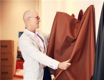 摩根的定制化销售模式,内饰皮饰均可自行选择
